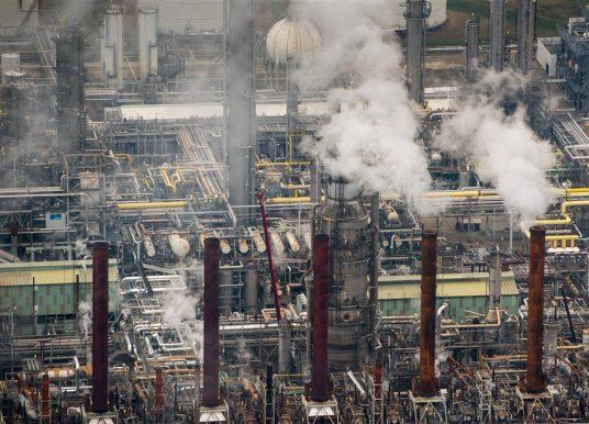 RADIO 1: Chemiebedrijven begingen duizenden overtredingen