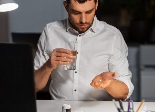 Alcohol- en drugstesten mogelijk maken voor chemiebedrijven
